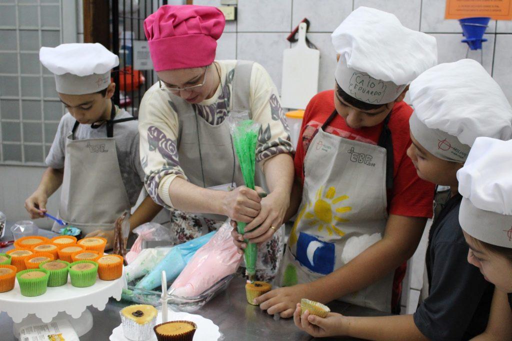 Oficinas gastronômicas e brincadeiras fizeram parte do evento
